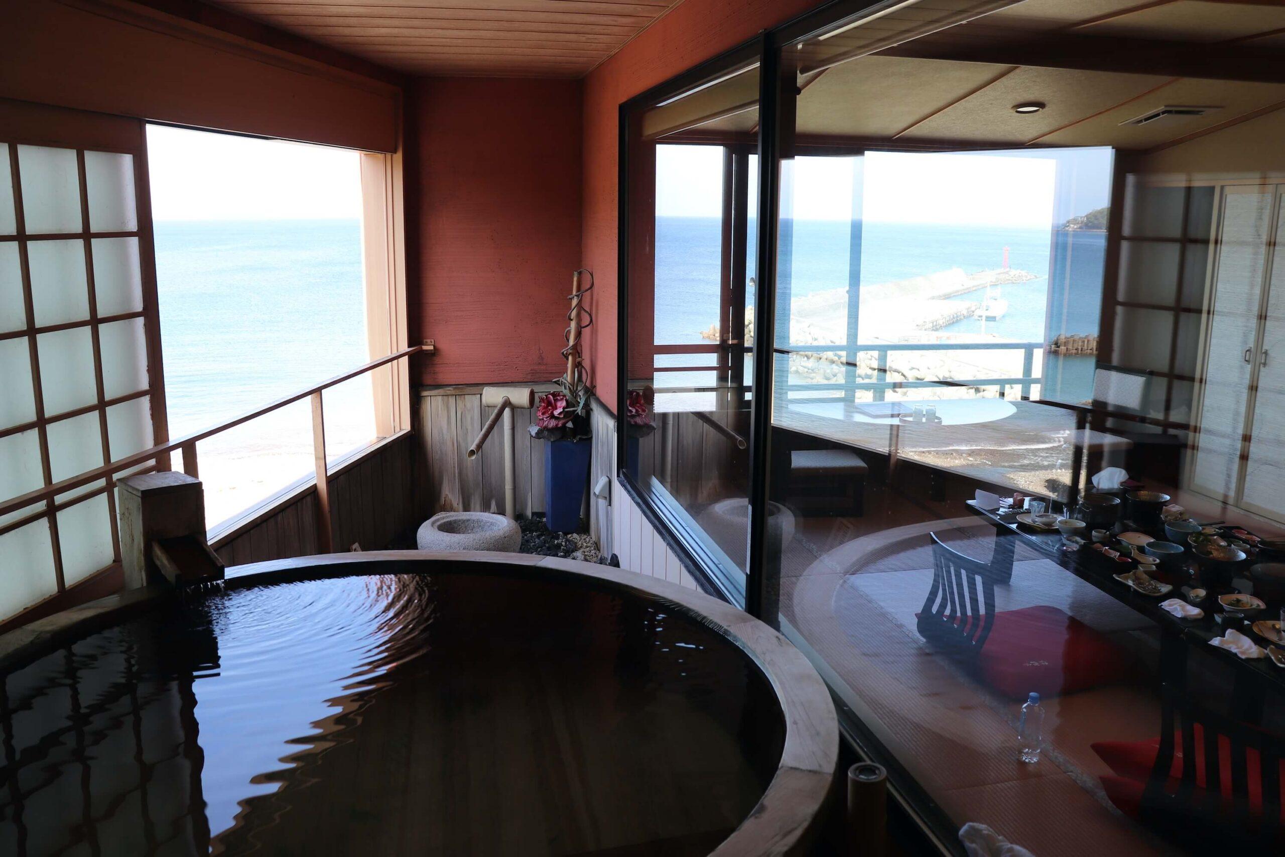 粋松亭の客室露天風呂