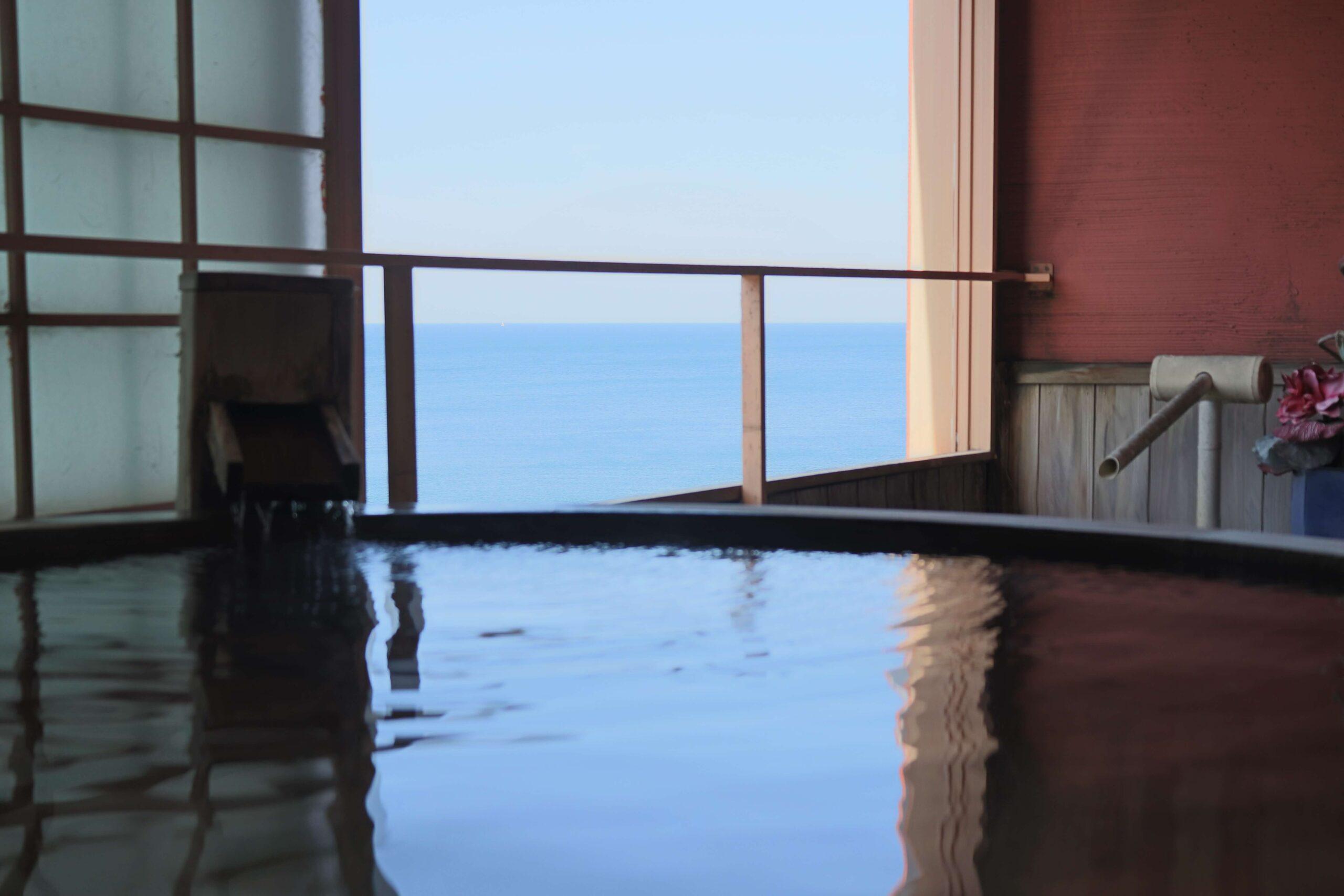 粋松亭の「やさしさに包まれて」の客室露天風呂