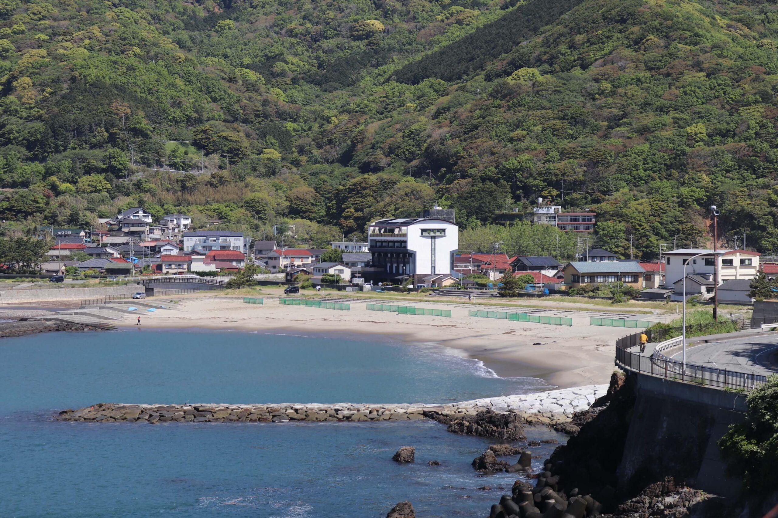 旅人岬から見る小土肥海岸