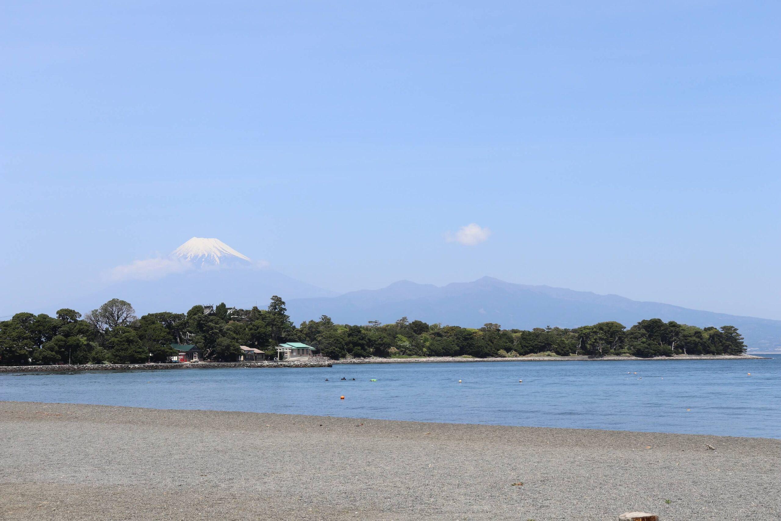 沼津の大瀬崎と富士山
